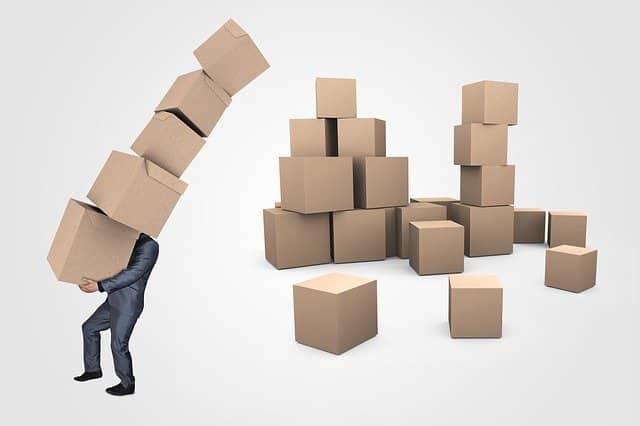 Traslado de oficinas Trabajador con cajas